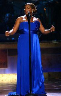 2. Queen_Latifah_performing_BET.jpg
